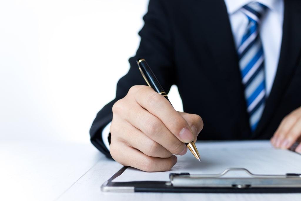 財務コンサルタントの転職に有利な経験を求人媒体から考察の写真